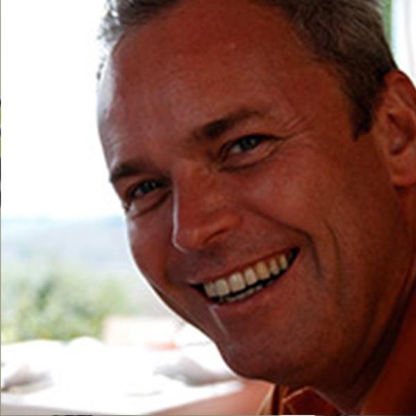 Dr. Philip Maes